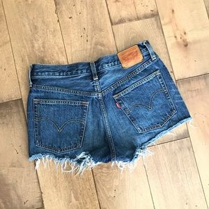 Levi's Jean Shorts Cut Off Denim Raw Hem 27 / 4